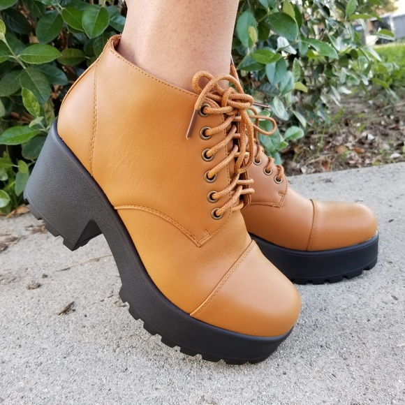 Shoes - Chunky 90s Grunge Platform Ankle Booties